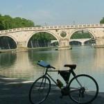 In bici lungo il Tevere