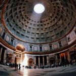 Arco di luce al Pantheon